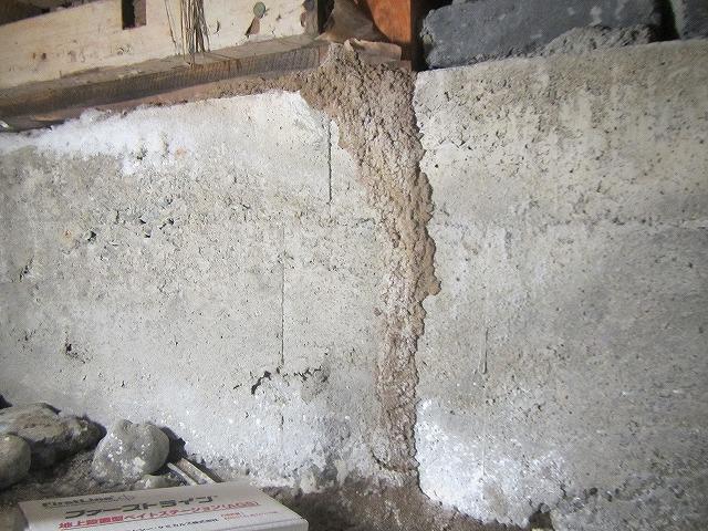 福岡県シロアリ蟻道被害に対するベイト工法