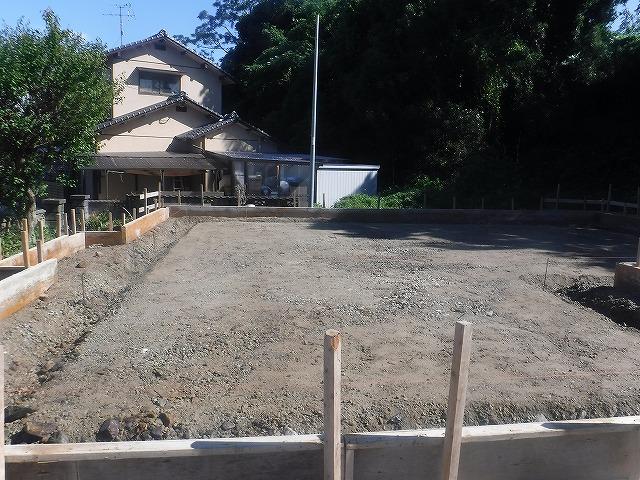 遠賀郡新築シロアリ予防消毒工事土壌処理4